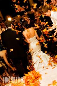 wedding-exit-ideas-leaves