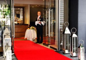 red carpet wedding arrival via wedding ideas mag