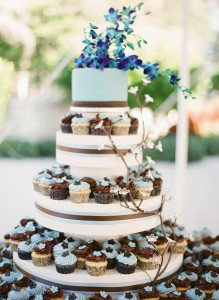 Blue Cupcake Tower via the cake zone