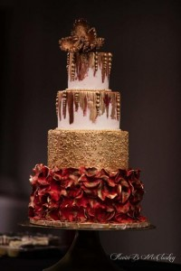 gold-and-red-cake