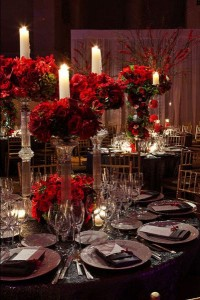 red-wedding-tablecentre